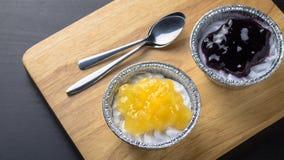 Малые пироги персика и голубики Стоковое Фото