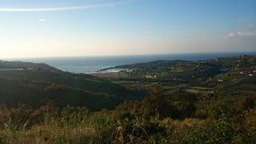 Малые природа и море холмов стоковая фотография rf