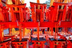 Малые стробы Torii при написанные желания и предложения сделанные smal Стоковые Фото