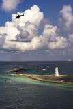 Малые тропические маяк и тяпка навигации Стоковое фото RF