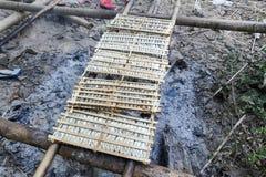 Малые fishs курили на огне на острове Дон Khon Стоковые Изображения