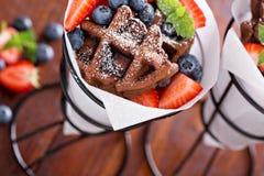 Малые waffles шоколада в конусах Стоковые Фото