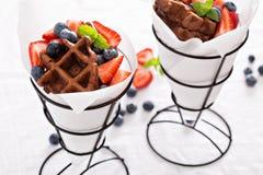 Малые waffles шоколада в конусах Стоковая Фотография