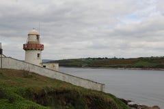 Малый белый маяк в Ирландии Стоковые Фото