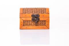 Малый деревянный маленький комод на белизне Стоковые Изображения