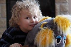 Малый красивый мальчик стоковое изображение rf
