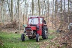 Малый красный трактор Стоковые Фотографии RF