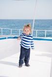 Малый матрос ребёнка, капитан яхты в морской рубашке Стоковая Фотография