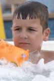 Малый мальчик в джакузи Стоковое Изображение RF