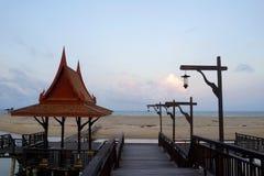 Малый павильон на пляже Стоковые Фотографии RF