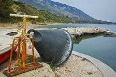 Малый порт на береговой линии Kefalonia, Греции Стоковые Изображения
