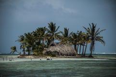 Малый тропический остров в Сан Blas, Панаме Стоковое Изображение RF