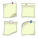 Малыми бумажными липкими кнопки прикалыванные примечаниями Стоковое Изображение RF
