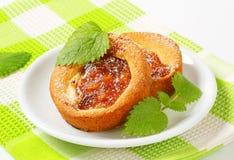 Малым торты заполненные яблоком Стоковые Изображения