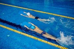 Малыши плавая Стоковое фото RF