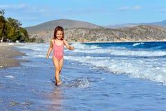 малыш девушки пляжа Стоковое Изображение RF