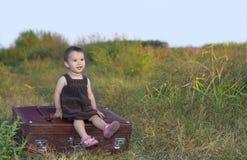 Малыш идя на каникулы Стоковые Изображения