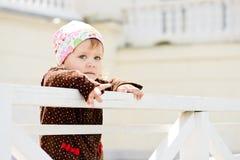Малыш на прогулке стоковые изображения
