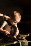Малыш читает Стоковые Изображения RF