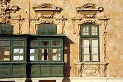 Мальтийсные окна коробки, Валлетта, Мальта. Стоковая Фотография