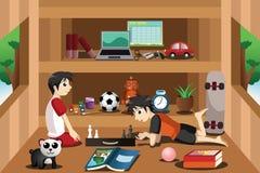 Мальчики играя внутри дома на дереве иллюстрация вектора