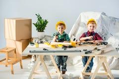 Мальчики с инструментами Стоковая Фотография