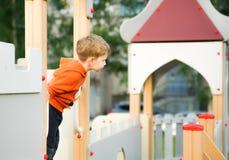 Мальчик вызывая для того чтобы сыграть Стоковое Изображение