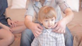 Мальчик в рубашке большой видеоматериал