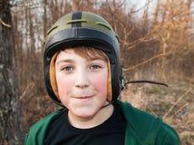 Мальчик в шлеме стоковые изображения