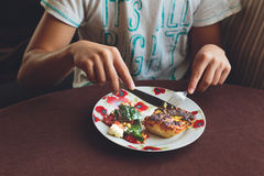Мальчик имея обед Стоковые Фотографии RF