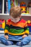 Мальчик используя цифровой планшет Стоковая Фотография RF