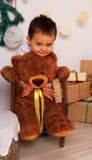 Мальчик и медведь Стоковые Изображения RF