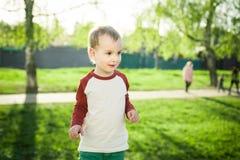 Мальчик и песок Стоковые Изображения RF