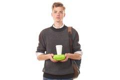 Мальчик коллежа около для того чтобы иметь обед стоковое фото rf