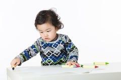Мальчик наслаждается нарисовать стоковые фотографии rf