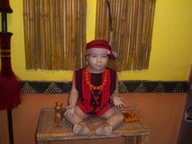 Мальчик на музее Стоковые Изображения