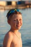 Мальчик на предпосылке моря Стоковая Фотография RF