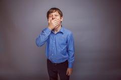 Мальчик подростка 10 лет европейского возникновения Стоковые Фотографии RF