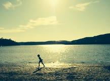 Мальчик пляжа стоковая фотография
