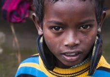 Мальчик смотрит камеру Стоковая Фотография RF