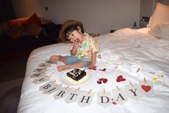 Мальчик счастливого дня рождения милый Стоковое Фото