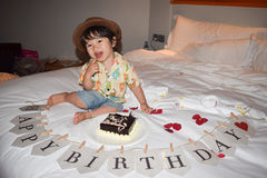 Мальчик счастливого дня рождения милый Стоковые Изображения