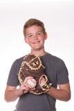 Мальчик с бейсболом и перчаткой Стоковые Фотографии RF