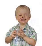 Мальчик с бутылкой с водой Стоковое Изображение RF