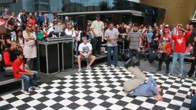 Мальчик танцуя Hiphop акции видеоматериалы