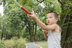 Мальчик любит агент безопасности Стоковое фото RF