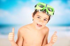 Мальчик Smilling с маской подныривания Стоковые Фотографии RF