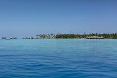 Мальдивские острова Курорт вилл воды стоковые фотографии rf