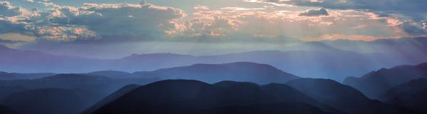 Мглистый вечер на долине Eggen в доломитах Стоковая Фотография RF