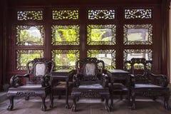 Мебель Redwood в каменной шлюпке Стоковые Фотографии RF